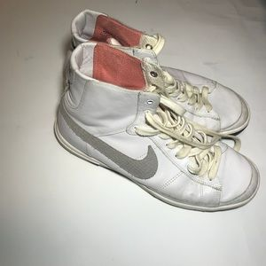 Old high top women's nikes